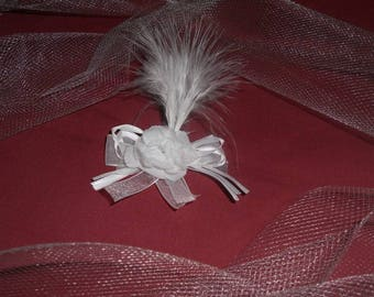 PIN back train or white groom's boutonniere