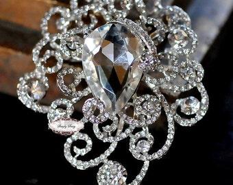 Rhinestone Brooch Pin Embellishment - Crystal Brooch - Brooch Bouquet Supply -Flatback Jewelry Supply Cake Invitation Supply RD295