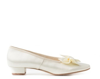 Paoul Emily Regency ivory satin woman slippers style 745_25T