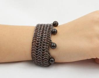 Womens bracelet in copper with garnet pendants