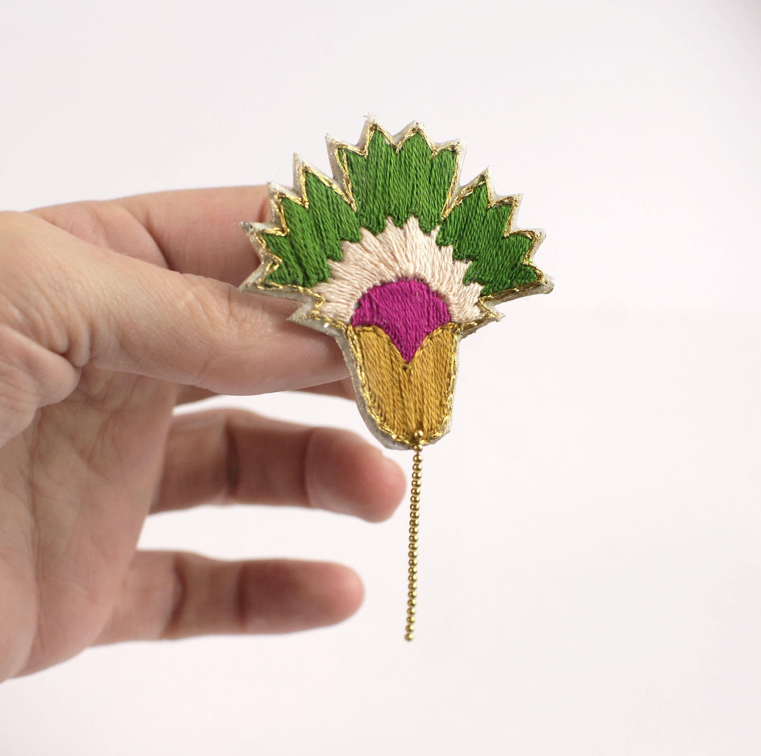 Von hand bestickt Blumen-Brosche-Anstecknadel Nelke bestickte