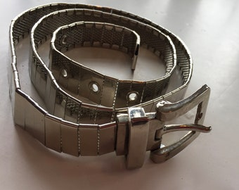 Metal Linking Belt Silver Tone Metal Size Small to Medium Accessory
