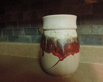 VASE-pottery Laurentian-QUEBEC-Canada - Beige and Red