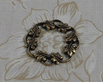 LuxeOrnaments Oxidized Brass Filigree Ivy Wreath Focal Frame (Qty 1) S-3377-B