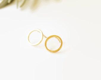 Gold Stud Earrings Open Circle