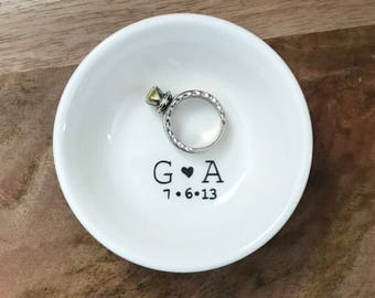 Personalized Wedding / Engagement Ring Dish With Bride and Groom Initials and Wedding Date. Simplistic, Engagement Gift, Wedding Gift