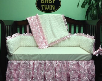 4pc Standard Crib Bedding Set - Pink Rosette