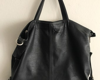 Black leather shoulder bag size big .