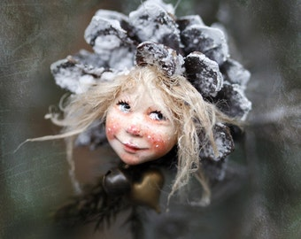 Pixie girl Nele handmade decoration, Zapfenkind