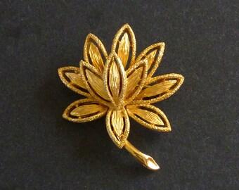 Avon Gold Tone Floral Brooch