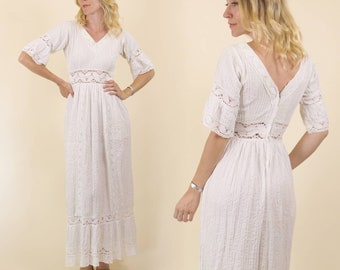 Vintage 1970s White Mexican, PinTuck, Wedding dress // Embroidered Maxi Dress