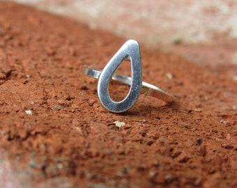 Teardrop – Sterling Silver Ring