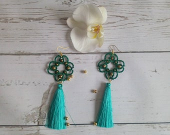 Tassel earrings green Party earrings woman Summer wedding Bridal shower gift idea Teenage girl birthday Quinceanera gift Boucles d'oreilles