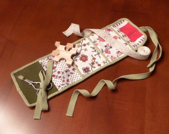 """Design Your Own!  ~  18th Century """"Housewife""""/""""Hussif"""" Sewing Roll Kit Case ~ Scissors, Needles, Thread Winders, Tape Measure (SA-HCC)"""