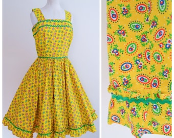 1950s 60s Yellow printed cotton full skirt dress / 50s ricrac day dress - S M