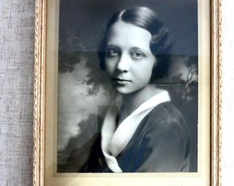 Vintage Photograph, Vintage Frame, Vintage Framed Photograph, Vintage Photograph of a Young Woman, Black and White VIntage Portrait -V266