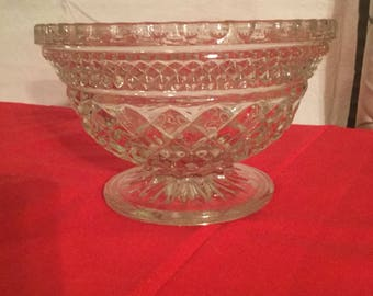 Vintage , Anchor  hocking footed  bowl.