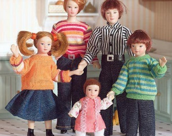 Family of Five Dolls Miniature for 1:12 Scale Dolls Houses