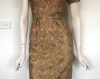 Classic 50s 60s Gold Paisley Lurex Day Dress / Small / Wiggle