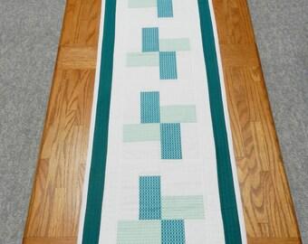 Spring table runner,  Summer table runner, Green and white table runner, Pinwheel table runner, Wedding Gift, Mother's Day gift, Item #251