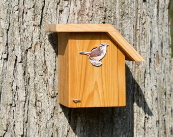 Carolina Wren - Cedar bird house