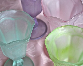 sundae glasses-ice cream sundae glasses-frosted glass sundae glasses-glittered sundae glasses-pastel sundae cups-pastel glasses