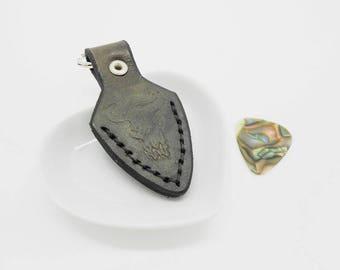 black leather key holder pick bison skull snap