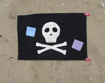 For boy and girl pirate flag