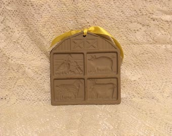 Pampered Chef Cookie Mold Press - clay earthenware cotton press cotton paper cookies bees wax