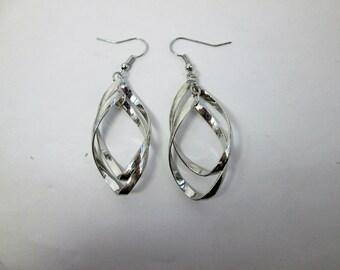 Silver Chandelier Earrings Twist Earrings Silver Drop Geometric Earrings Wedding Bridal Earrings Large Dangle Earrings Lightweight Earrings