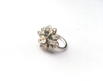 Lovely Vintage Sarah Coventry Rhinestone Flower Adjustable Statement Ring
