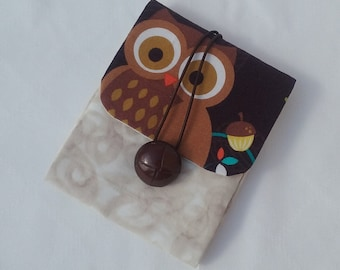 Bag holder with pads and tampons with owl, in brown and beige. You can hang up. Cover for tampons and compresses. Accessory for women.