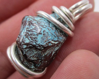 Spiderweb Cuprite Chrysocolla Pendant / Chrysocolla / DIVINE Feminine Goddess / Healing Physical Body / Soothing Emotions