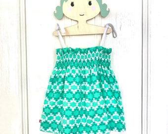 Girls sundress, girls dress, girls green dress, girls summer dress, girls shirred dress, toddler sundress, age2-3