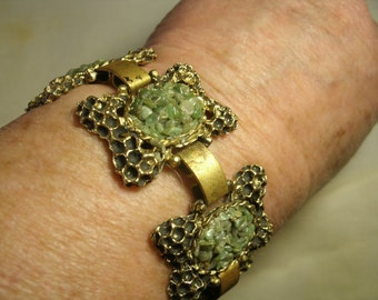 Chunky Jade Bracelet Gold Tone Cast Metal Large Cuff Style Green Gemstone Pebbles Antique finish Black Flexible Vintage Mid Century Jewelry