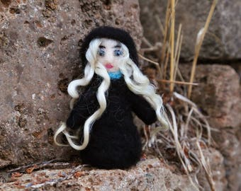 Rosemary the Old Witch, Witch Doll, Spirit Doll, Miniature Witch, Needle Felted Witch, Halloween Witch, Witch Decoration, Folk Art Doll OOAK