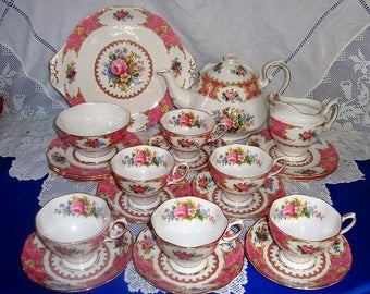 Immaculate ROYAL ALBERT Lady Carlyle Tea Set 22 pieces, Perfect Gift