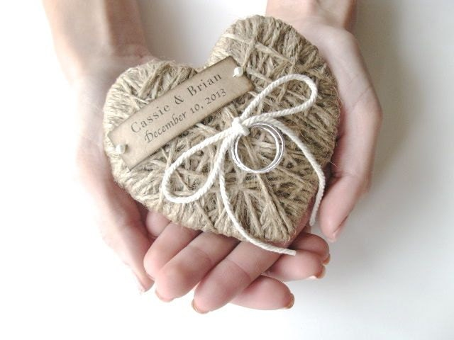 zoom - Wedding Ring Pillow
