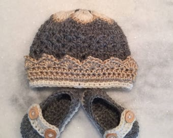 Crochet Baby gift hat and booties - NB to 1 months