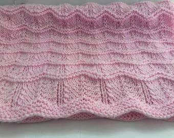 Feather and Fan Pattern Baby Blanket in Pink