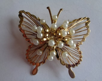 Fabulous Vintage Unsigned Goldtone/Faux Pearl Butterfly Brooch/Pin