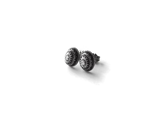 Black and white boho stud earrings - Hypoallergenic pure titanium and acrylic