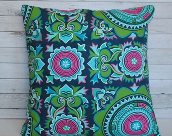 Emerald green throw pillow cover. 20x20 pillow. Green and magenta cushion. Couch pillow. Bed pillow. Boho pillow case.
