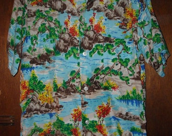 Mens Vintage Made in Japan Colorful Hawaiian Rayon Camp Shirt S Small