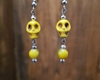 FREE SHIPPING   Yellow skulls with yellow glass cut beads and silver metal accent beads