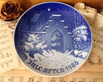 Danish Copenhagen Blue White Bing and Grondahl 1986 Christmas Holy Night ceramic Porcelain Display Plate