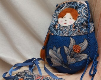 SET Matryoshka OOAK Bag Russian Doll Souvenir Quilted Patchwork Design Bag and Bib Textile Necklace with Lilies Chunky Necklace