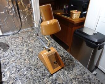Desk Lamp Ohm-Rite Electrick Ltd. model HC-23 all steel.