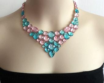 collier d'Aqua et bleu clair rose col plastron en tulle, mariage, collier de demoiselles d'honneur.