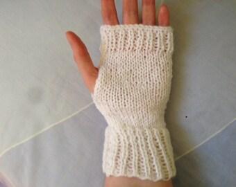 Wedding Gloves, Bridal Gloves, Fingerless Gloves, Wedding Accessories, Winter Wedding, Winter Formal, Winter Party, Winter Prom